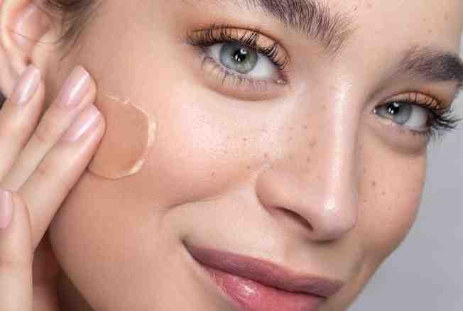 Comment avoir une peau lisse en se maquillant ?